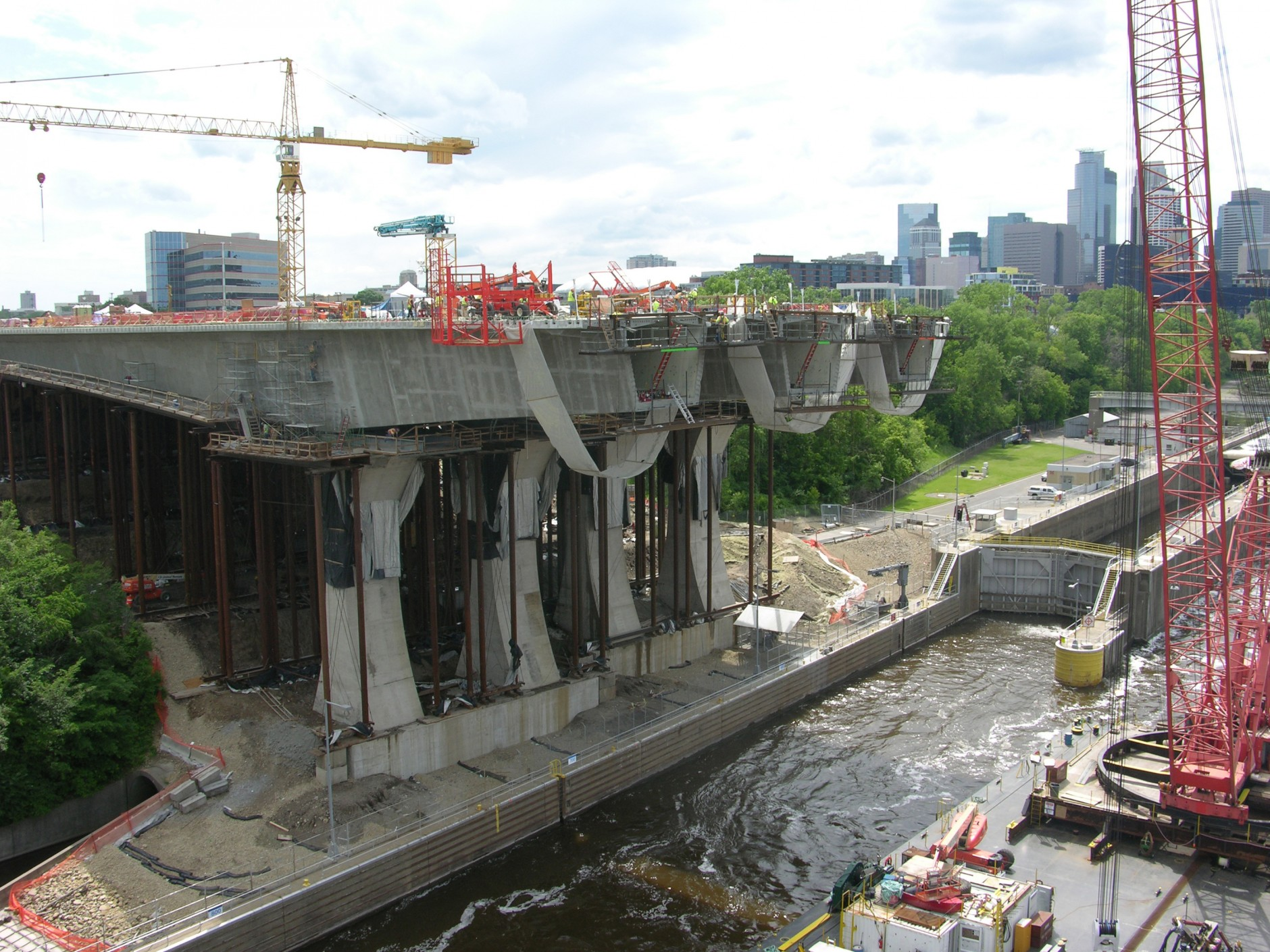 35W Bridge Construction